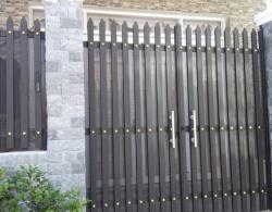 Mẫu cửa sắt thông dụng rẻ tiền